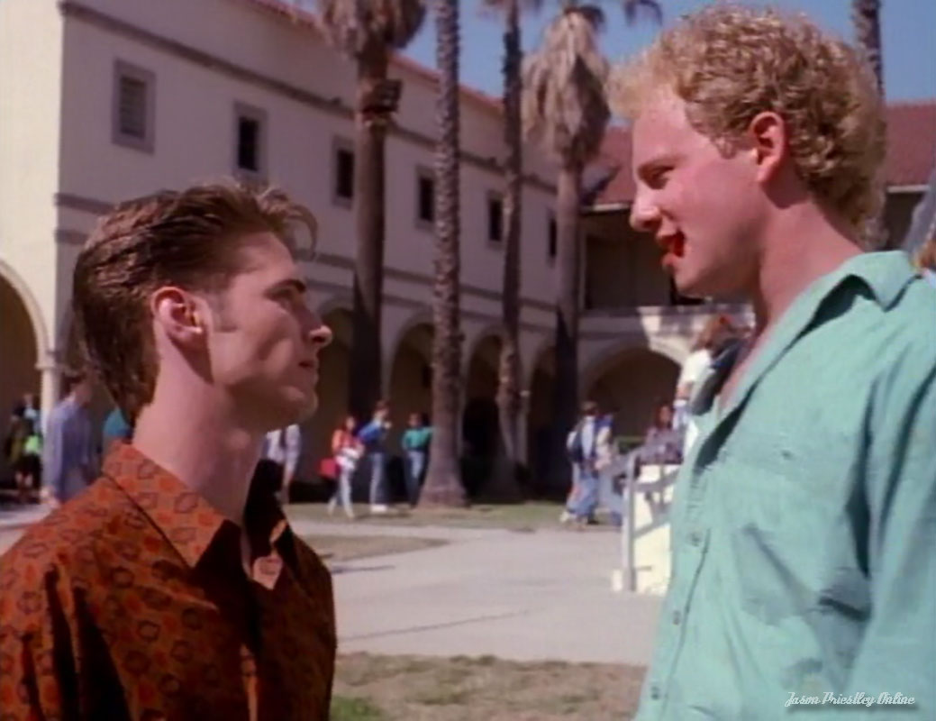 Beverly hills 90210 season 1 episode 22 / Wwe over the